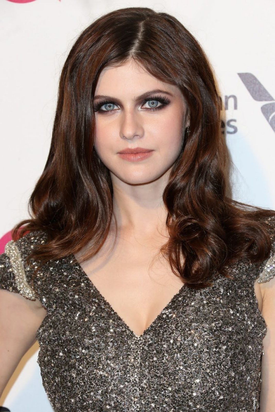 STAR CELEBRITY WALLPAPERS: Alexandra Daddario HD Wallpapers