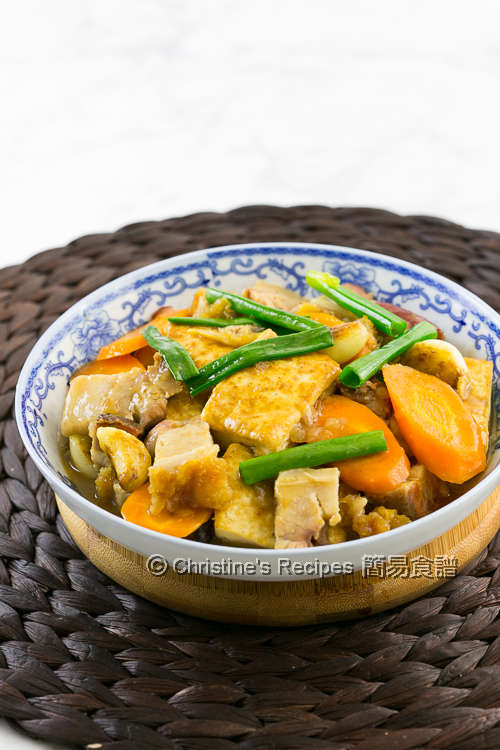 火腩炆豆腐 Braised Tofu with Roast Pork Belly01