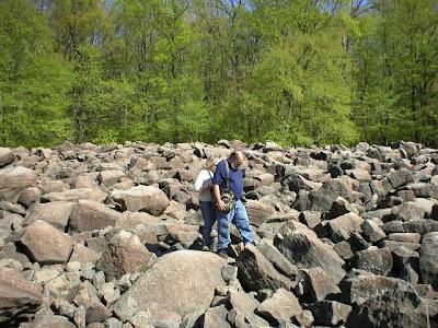 Ringing+Rocks+Park Misteri Misteri Alam yang Sulit Diterima Nalar dan Logika Manusia
