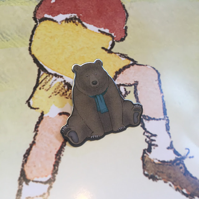 Bear Hunt pin badge