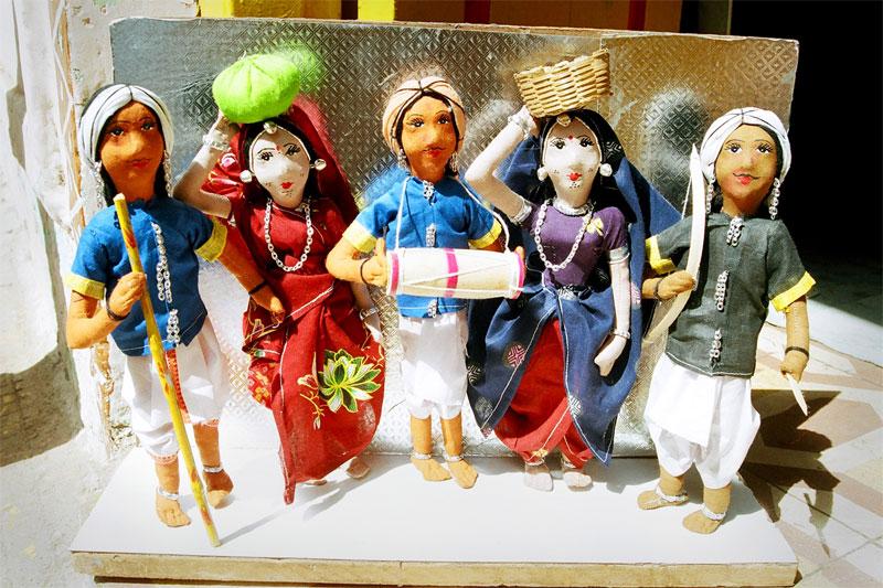 झाबुआ आदिवासी भील-भिलाली गुड़िया पर्यटकों को लुभाने ट्विटर पर पहुंची-Jhabua-distrit-doll-reached-Twitter-to-attract-tourists-visitors