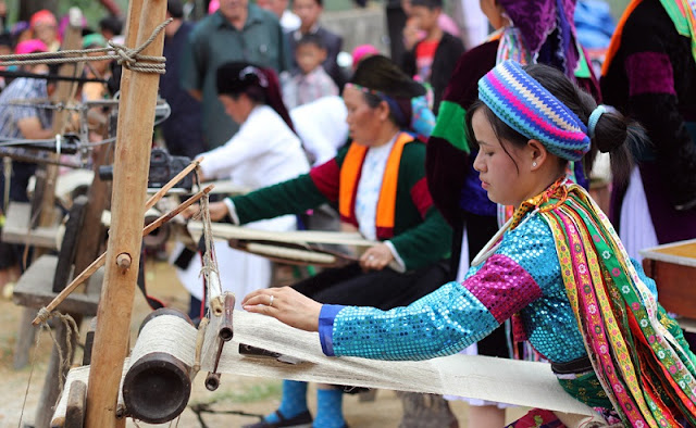 Weaving tradition of the H'mong people in Dong Van 1
