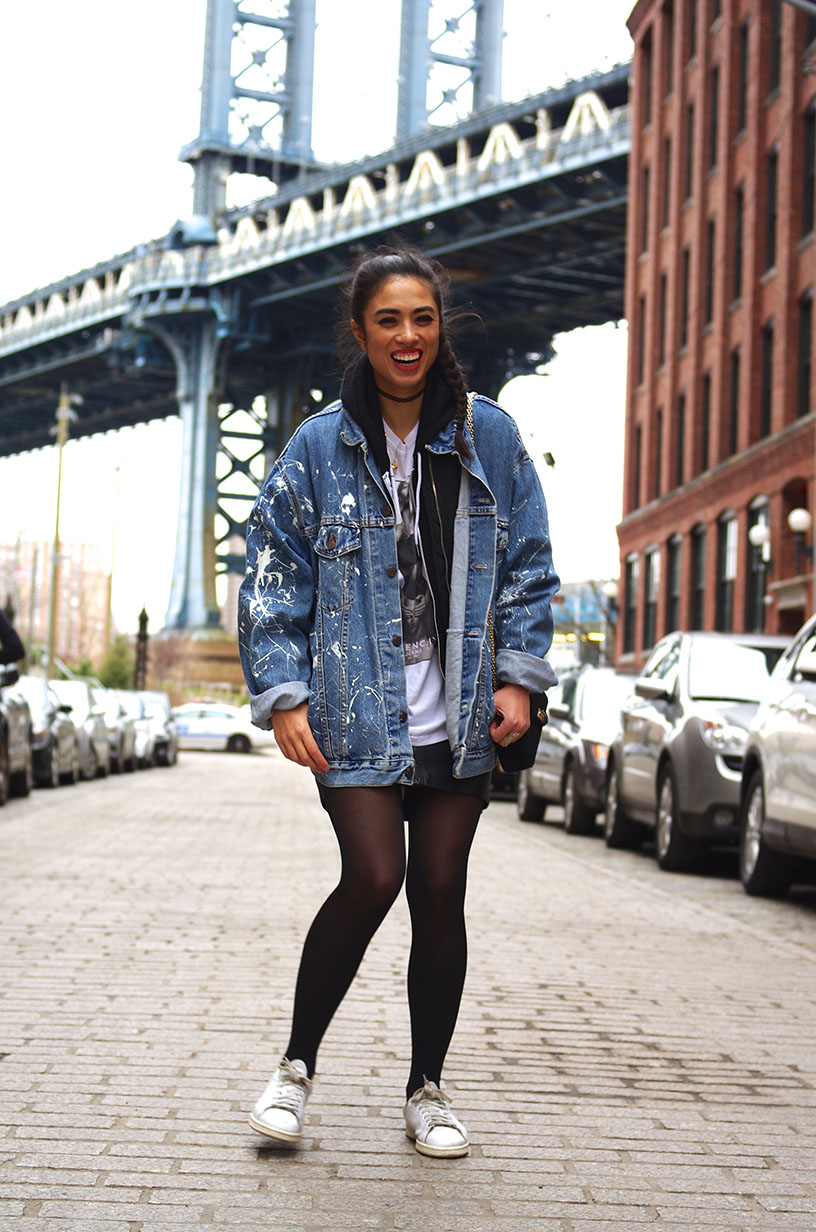 Elizabeth l NYC 90s outfit l Vintage Levis jacket Stan Smith leather skirt l THEDEETSONE l http://thedeetsone.blogspot.fr