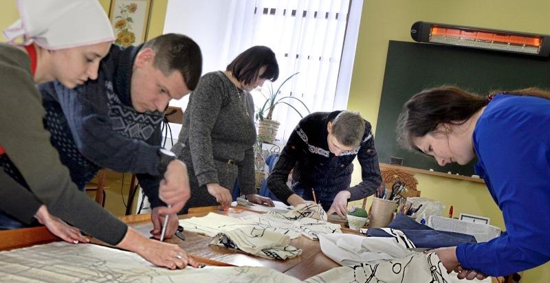 Арт-майстерню із виготовлення еко-сумок відкрили у Кременці