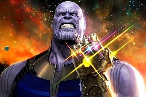 Thanos không đỡ nổi nhát búa của Thor trong Infinity War cuộc chiến vô cực.