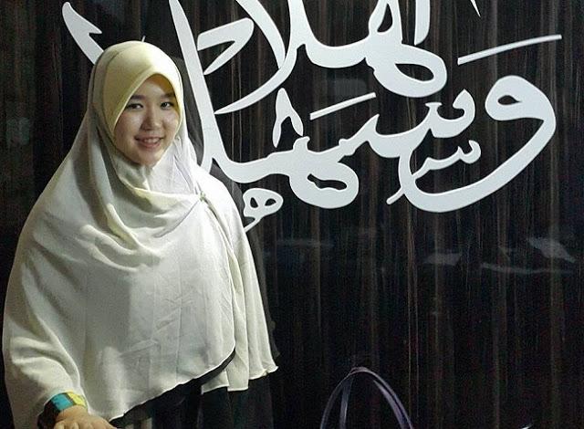 Awalnya Ingin Murtadkan Muslim, Si Cantik Aktivis Gereja Ini Justru Dapat Hidayah