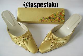 Tas Pesta dan Sandal Pesta Gold Mewah