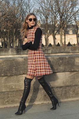 Look com vestido curto xadrez