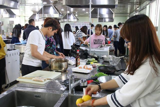 Phòng nấu ăn chuyên dụng danh cho sinh viên nước ngoài tại địa học Nambu