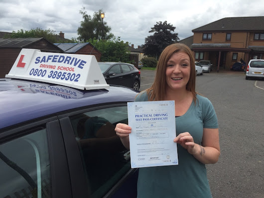 Driving lessons Cumbernauld, Driving instructor Cumbernauld, Driving school Cumbernauld MARVELOUS JOANNE
