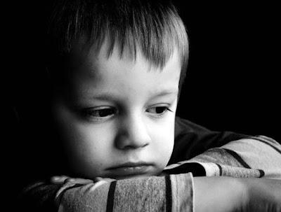 صوره طفل حزين