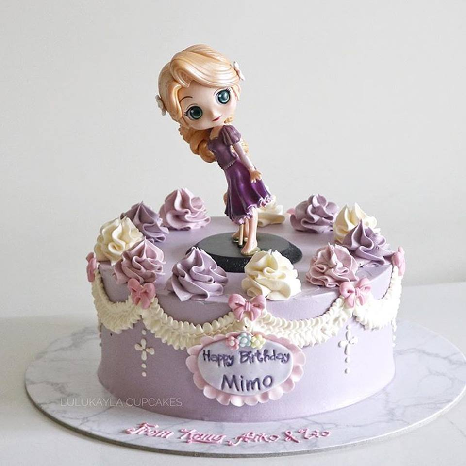 Bánh sinh nhật hình công chúa elsa 2