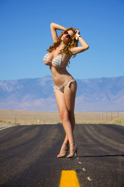 Jordan-Carver-Busty-Photoshoot-Road-Sign-Pic-7