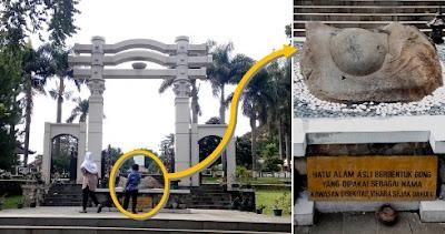 monumen watu gong semarang