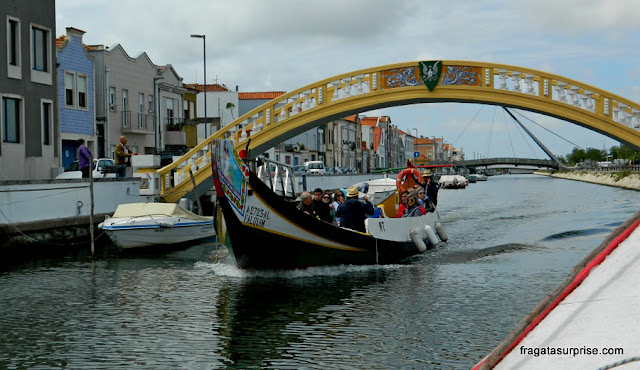 Passeio de barco em Aveiro: Ponte de Carcavelos no Canal de São Roque