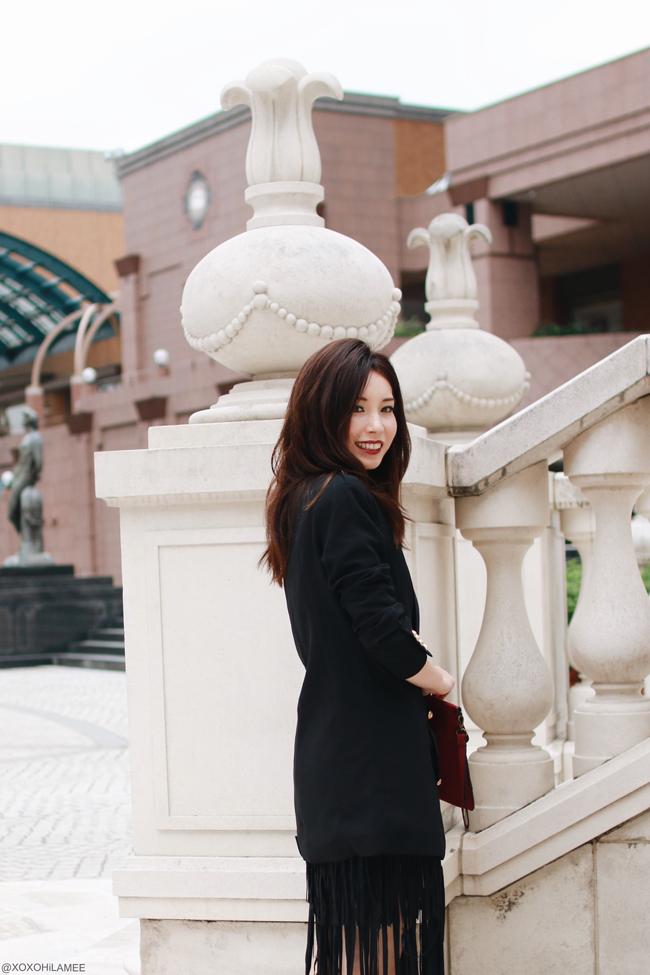 ファッションブロガー日本人、今日のコーディネート、CHOIESマリンジャケット、フリンジスカート、ブラックレースランジェリークロップドトップス、vonbraunブラックパンプス、クラッチバッグ、SHASHIホーンネックレス、ブラックシックスタイル