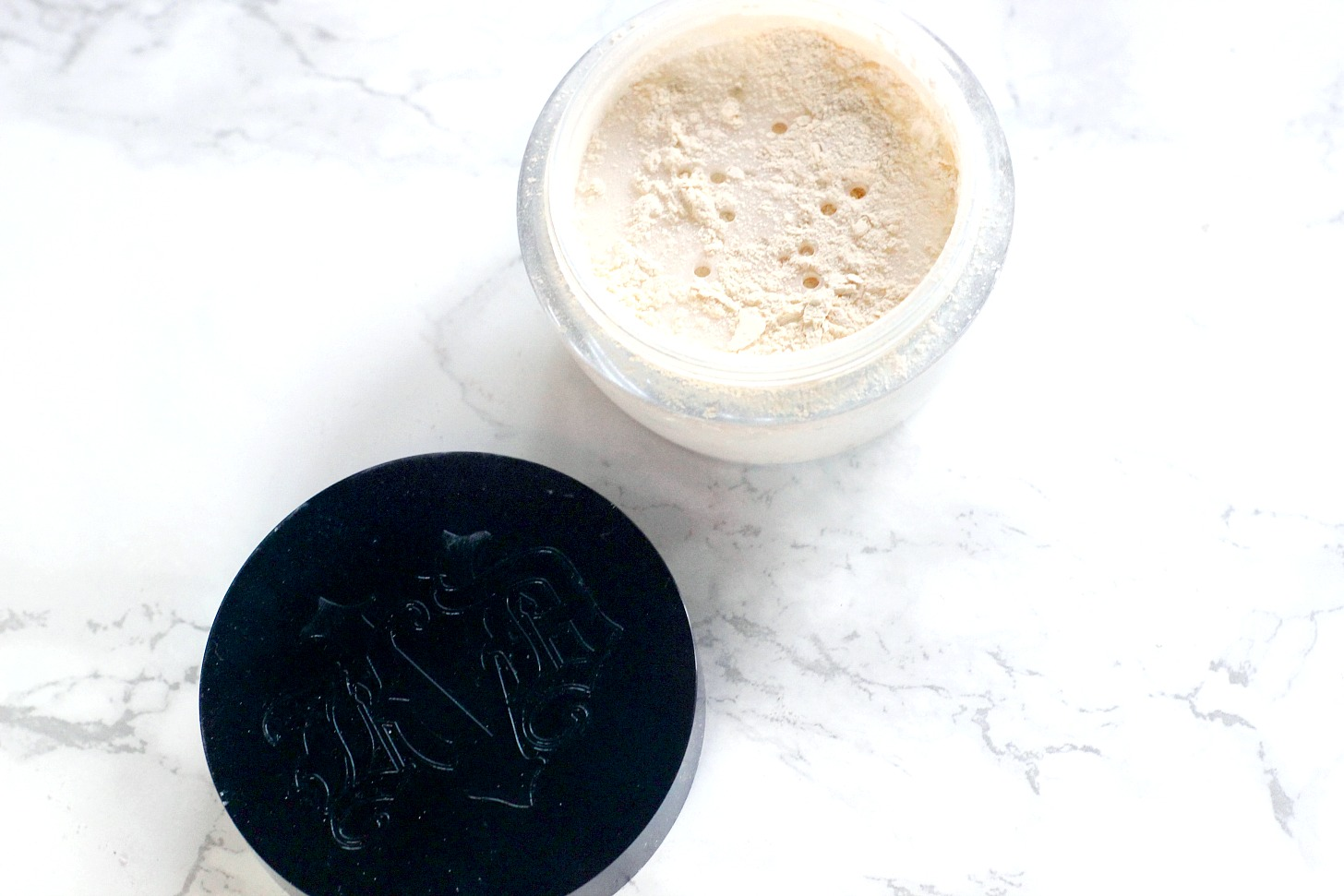 kat von d lock it powder review