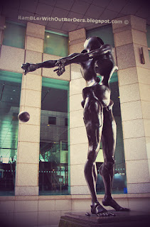 Homage to Newton by Salvador Dali, Raffles Place, Singapore