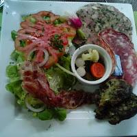 Primer plato en el Auberg du Pont d'Arc.