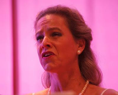 Mezzo Soprano Julia Oesch performing Operetta by Patricio da Silva