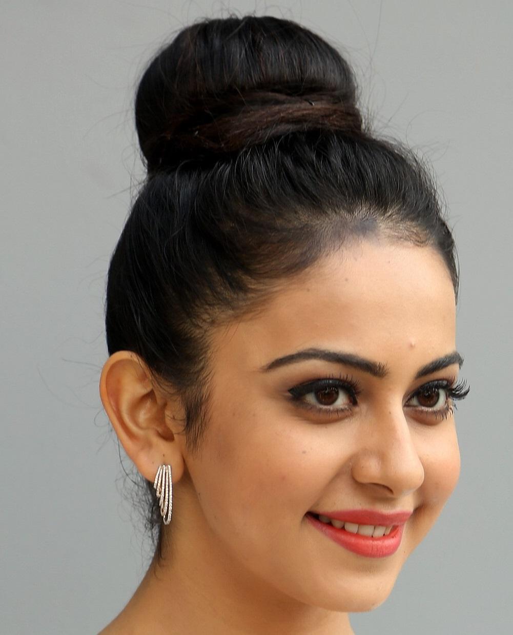 Rakul Preet Singh Face Close Up Beautiful Hair Style Stills ❤ ❤  ❤