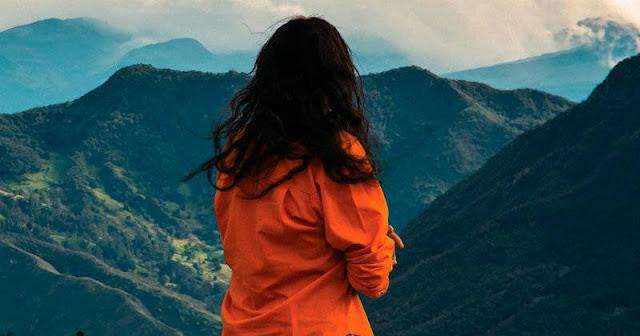 Señorita María Luisa: La falda de la montaña
