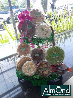 Parcel Natal Almond Bakery Cafe Resto Yogyakarta