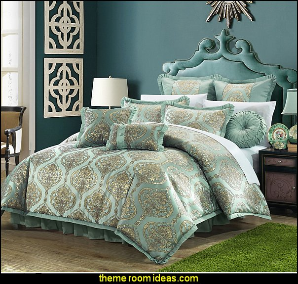 Decorator Upholstery Quality Jacquard Motif Fabric Bedroom Comforter Set & Pillows Ensemble, Blue