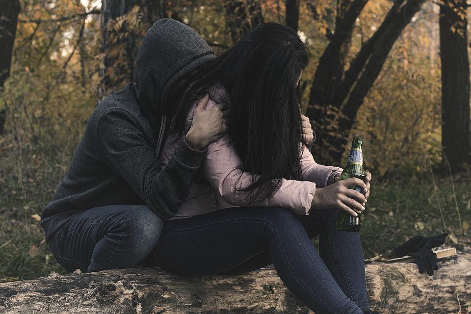 5 أساليب لانتشال شريك حياتك من الكآبة