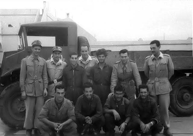 Algunos de los nombrados por Contijoch están en esta fotografía de Sabater; eran los liberados el 2 de diciembre de la Sección de Ortiz de Zárate.