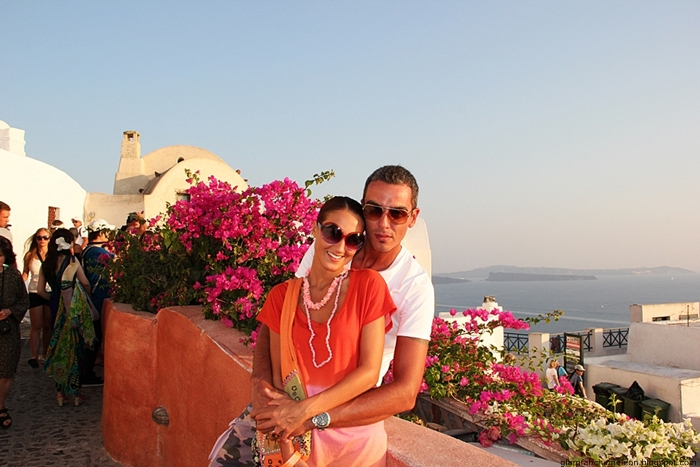 Santorini couples photos in Oia