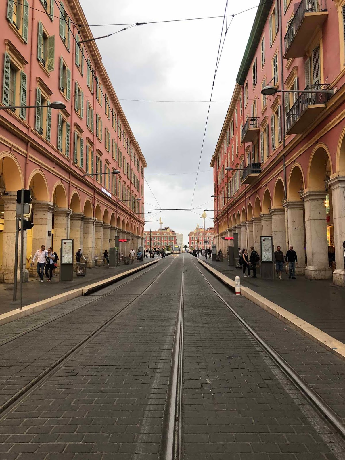 Nizzan kaupunkikuvaa