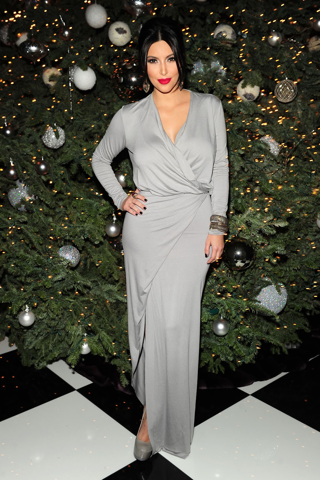 Flaviu FLASH FASHION: Kardashian Christmas Party Styles