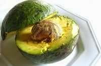 Avocado tagliato a metà