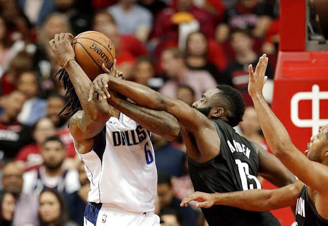 James Harden membawa Houston Rockets menang atas San Antonio Spurs.