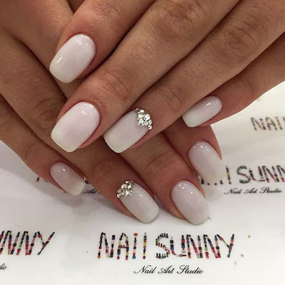 For your special event like a wedding party 34+ Amazing Ways to Wear Wedding Manicure Designs Ideas To Copy
