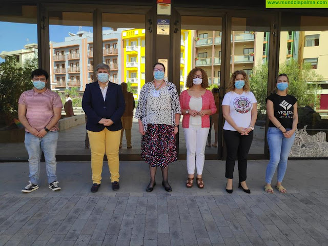 El Cabildo presenta a los ayuntamientos y asociaciones de la isla la primera guía oficial de La Palma para personas trans