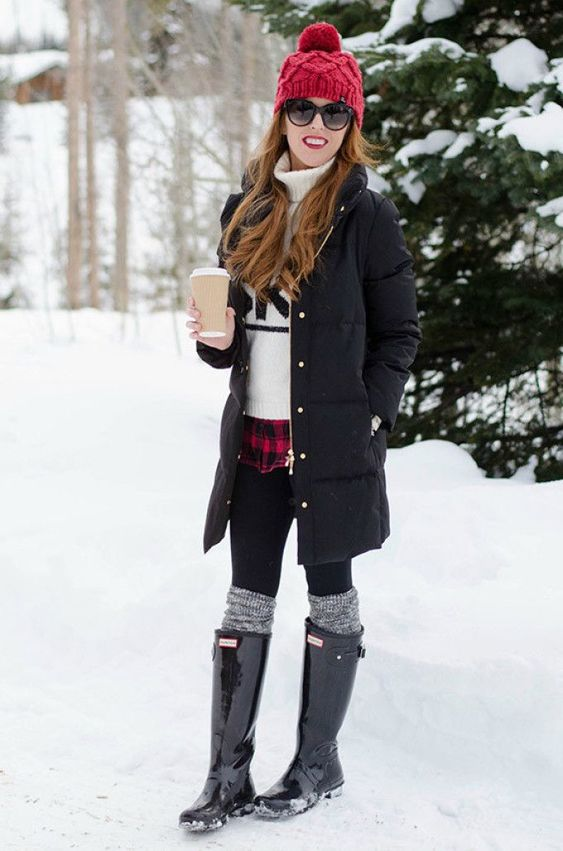 cozy outfit idea for this winter / red hat + black jacket + sweater + skinnies + high boots