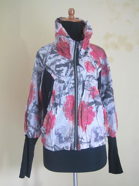 Jaket Wanita Basic Edition Ukuran M ( JKW 8 )