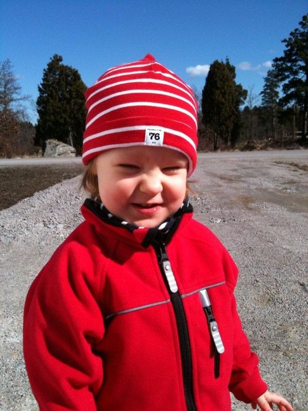 23eac665b71 (Foi esquiar e ninguém sabe se é uma menina ou menino... porque coitadinha  a mãe não lhe furou as orelhas!