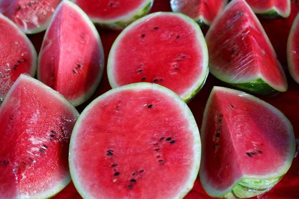 Buah Semangka Cemilan Terbaik Untuk Menurunkan Berat Badan