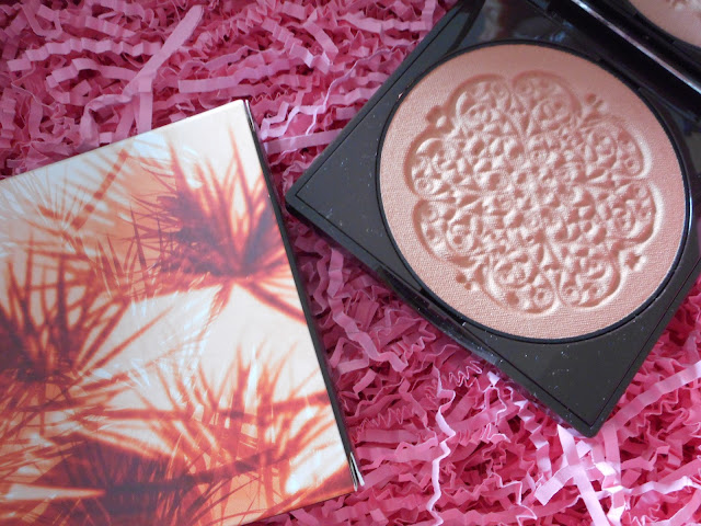 Korres Cocoa & Coconut Bronzer Sun Kissed Looks Luminous Finish in Light Shade