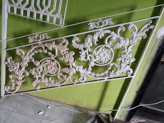 Contoh-contoh Railing Tangga Besi Tempa Mewah