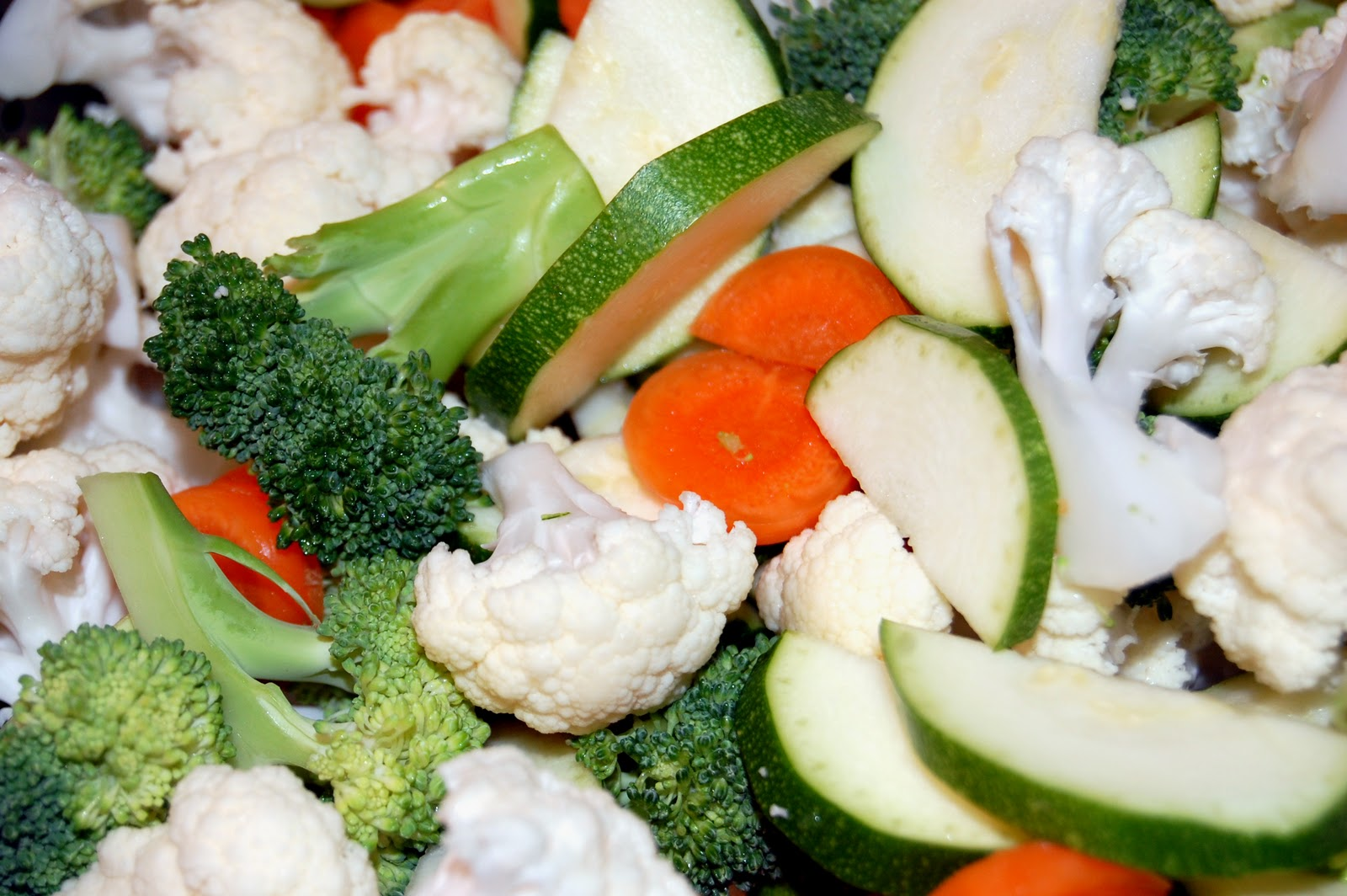 One Sunny Home: Steamed Vegetables with Lemon-Garlic Dressing