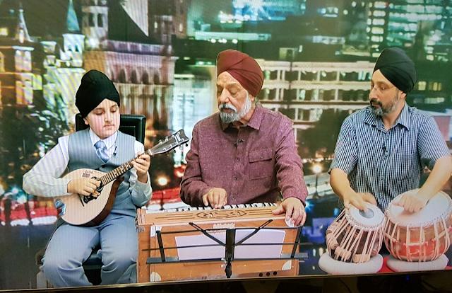 Deedar Singh Pardesi Punjabi Folk Singer With His Grandson HD Wallpaper Photo Images