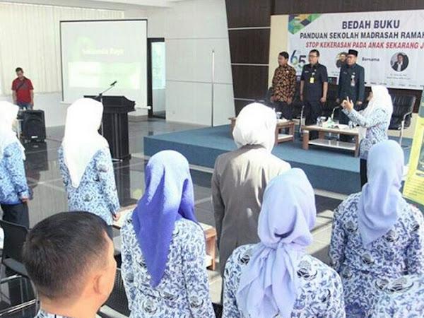 Yossi Irianto Bedah Buku Dispusip Kota Bandung