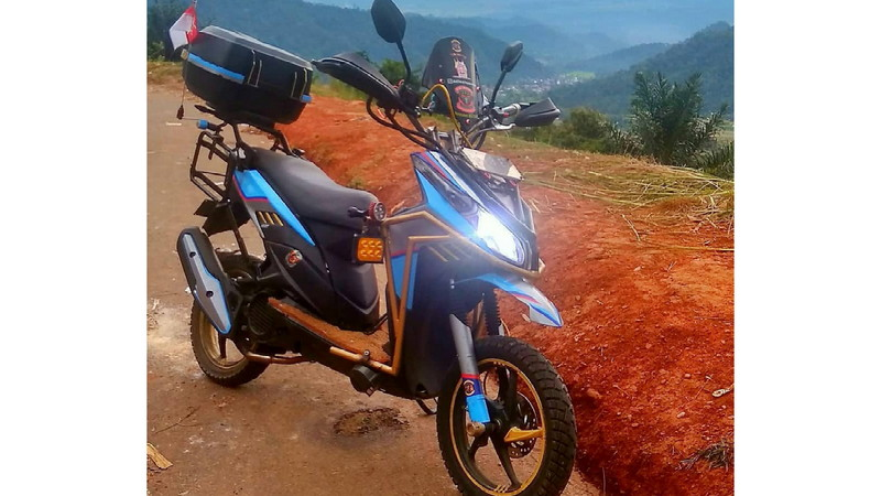 gambar foto modifikasi motor Vario 125 matic touring