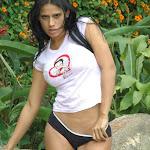 Andrea Rincon, Selena Spice Galeria 12 : En La Finca Foto 47