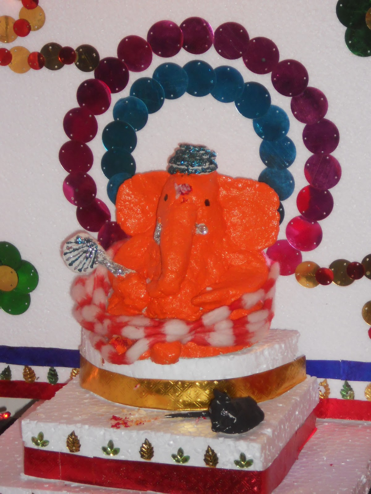 Around the world home made paper mache ganpati idol Ganpati decoration design for home