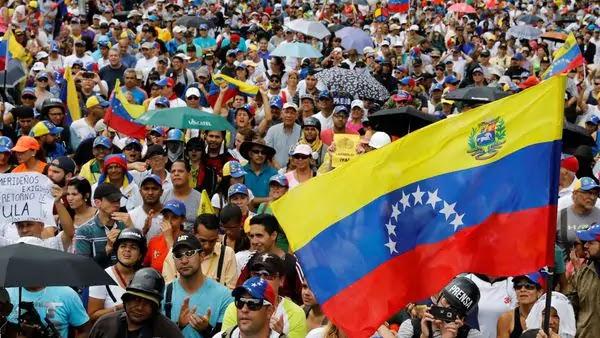 Conflicto en Venezuela ya lleva más de 100 muertos y la tensión se dispara para este domingo